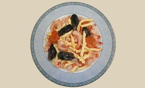 piatto di pasta ai frutti di mare