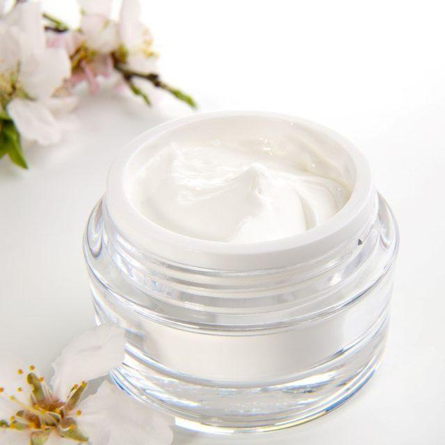 Crema cosmetica  viso