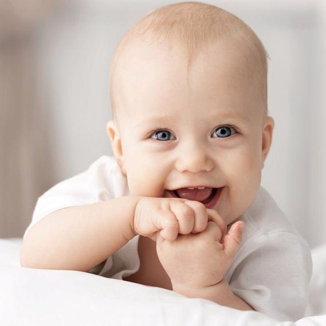 Neonato sorridente