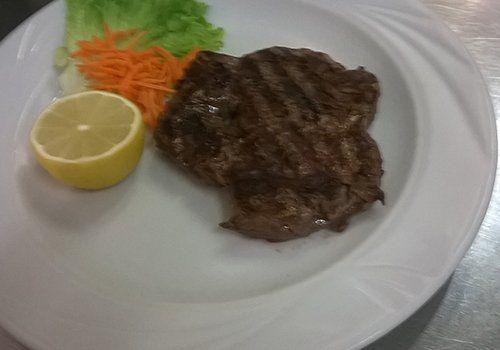 Carne alla brace, cottura perfetta per lasciare inalterato l'irresistibile sapore della carne più buona