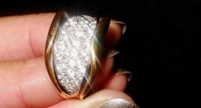 anello d'oro e brillanti