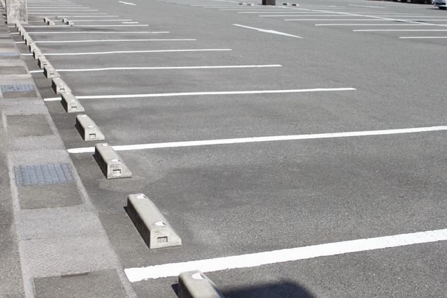 Clean parking lot after our cleaning services