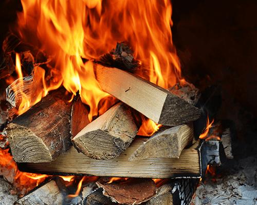 della legna per i caminetti