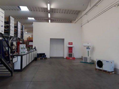degli impianti di aria condizionata in un negozio