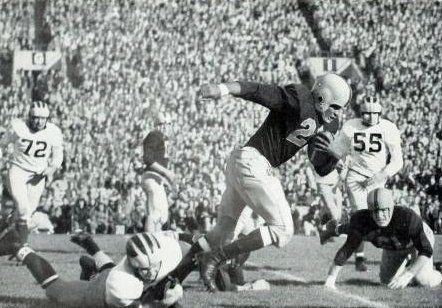 3be3b706 'A time to reflect on memories' - 1953 Illini football team gathers for  65th reunion