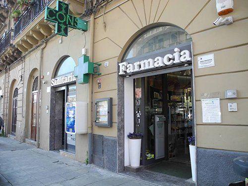 entrata della farmacia