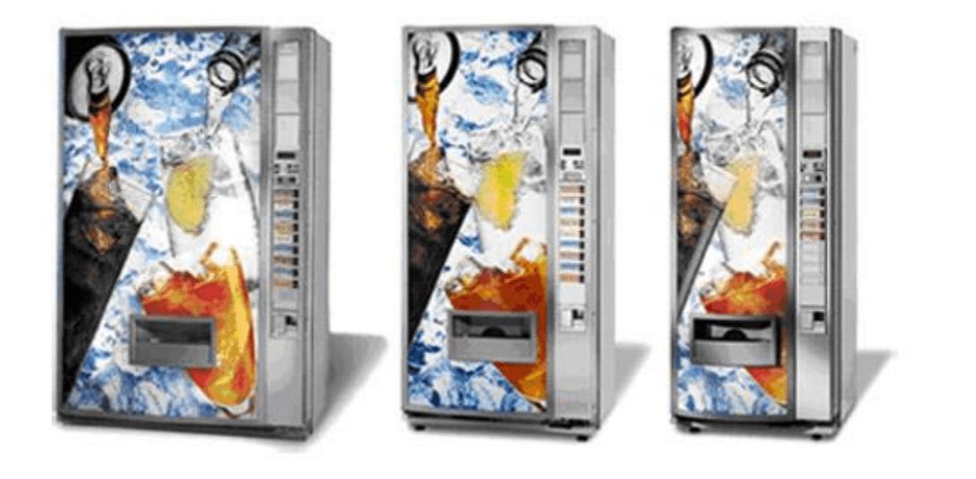 tre macchine automatiche per snack