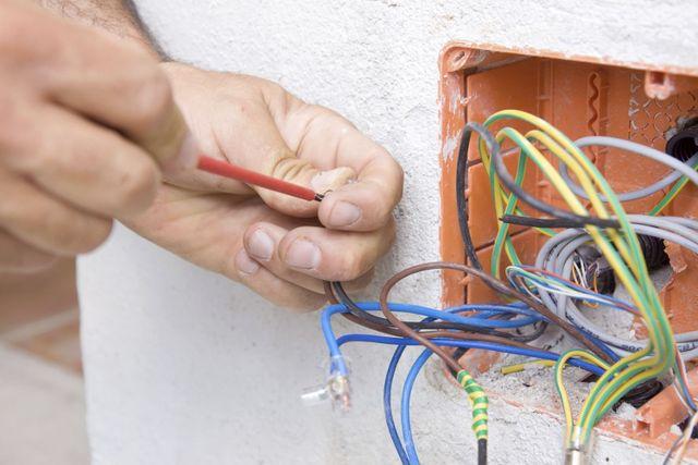 Electrical repair in Hamilton