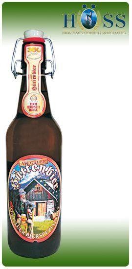una bottiglia di birra della marca Huttenbier
