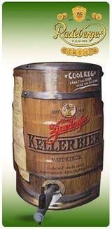 un barile di legno con scritto Kellerbier