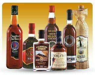 delle bottiglie di alcolici