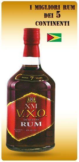 una bottiglia di Rum XM VXO
