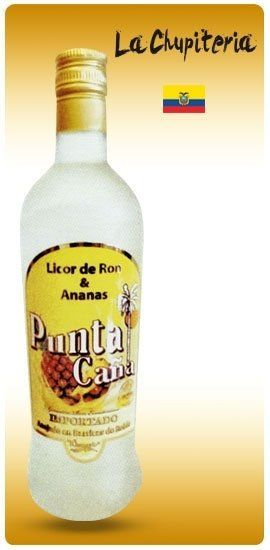 una bottiglia di rum all'ananas Punta Cana