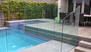 glass swimming pool fences