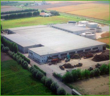 vista di una azienda agricola per trattamento dei rifiuti organici