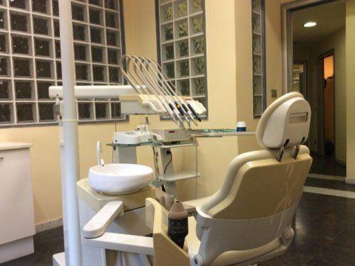 la postazione nello studio dentistico