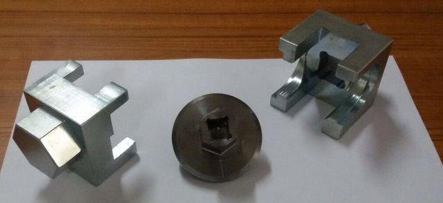 tre chiavi per valvole metano