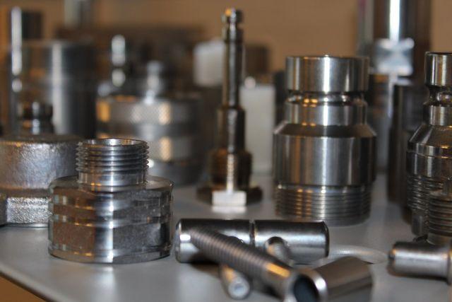deposito di lastre metalliche dopo trattamento di zincatura