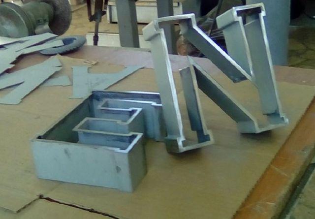 Insegne per negozi conto terzi roma metal project design