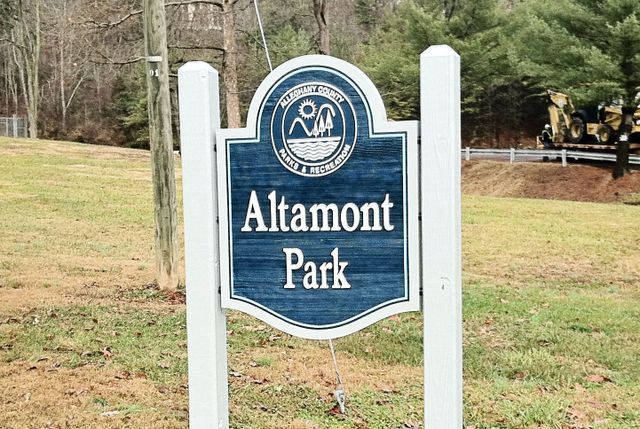 Custom-made sign of Altamont Park in Covington, VA