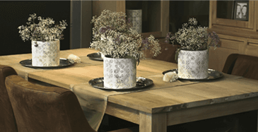 tavoli, sedie, complementi di arredo