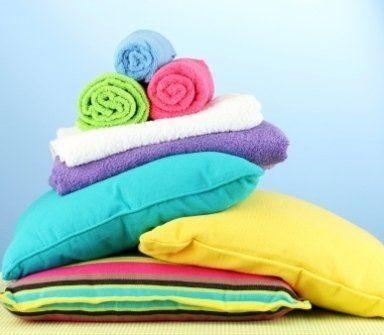 asciugamani, lenzuola, cuscini