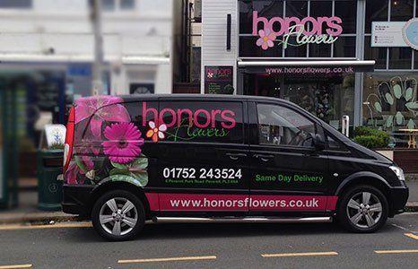 Honors flowers van