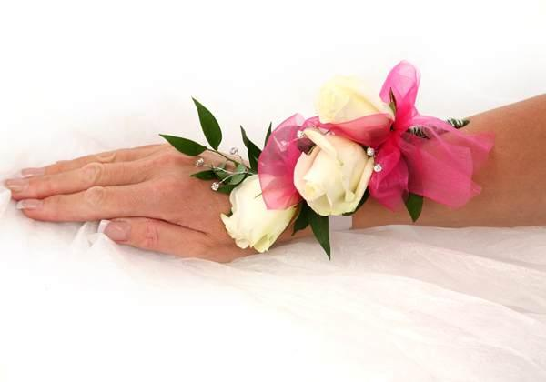 White wrist corsages