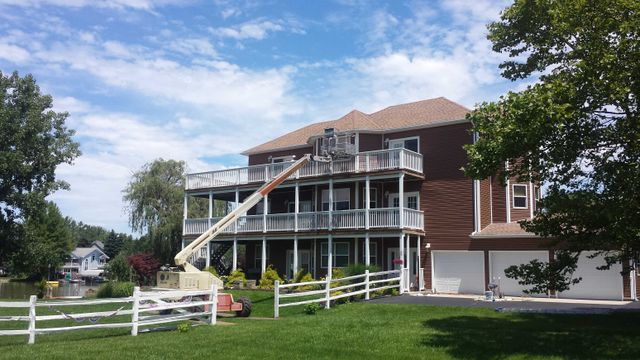 Painting service for house by experts in London, OH