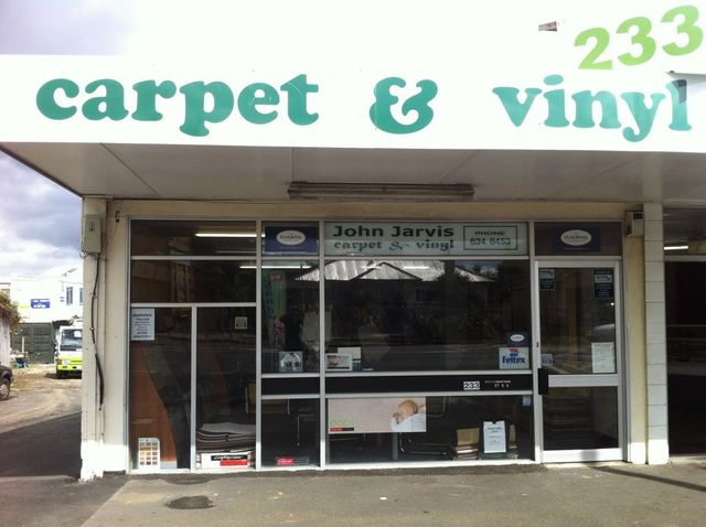 Exterior of Auckland store with best selection of rugs and carpets