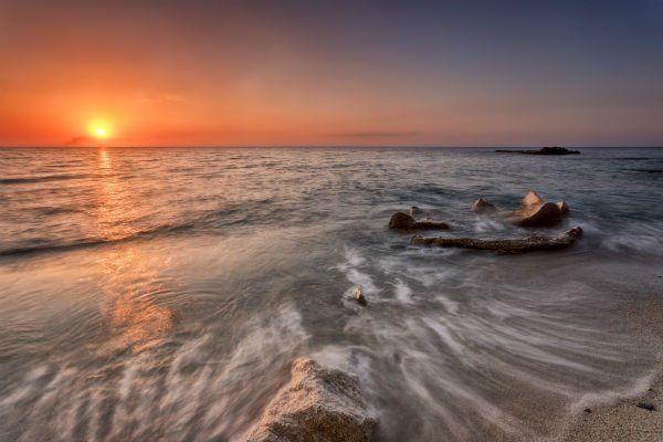 Il tramonto e il mare