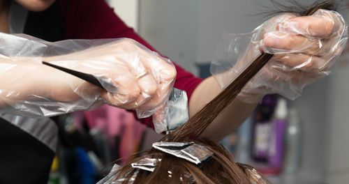 Professional doing fabulous hair coloring in Columbia, MO