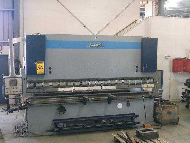 Steel sheet bender