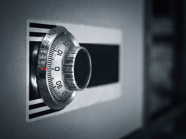 Suburban Lock And Key >> Home Car Locksmith Commercial Doors Gun Safes Buffalo