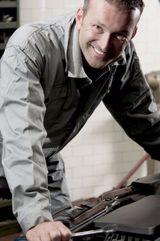 specialist in auto repair services in Aiea, HI