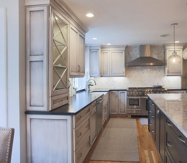 We want only the best for our clients and weu0027re picky about our partners. Our cabinetry manufacturers offer top quality products in a wide range of design ... & Kitchen Cabinets in Bedford NH | Granite State Cabinetry