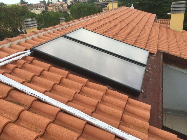 Installazione degli impianti solari sul tetto a Montemaggiore al Metauro