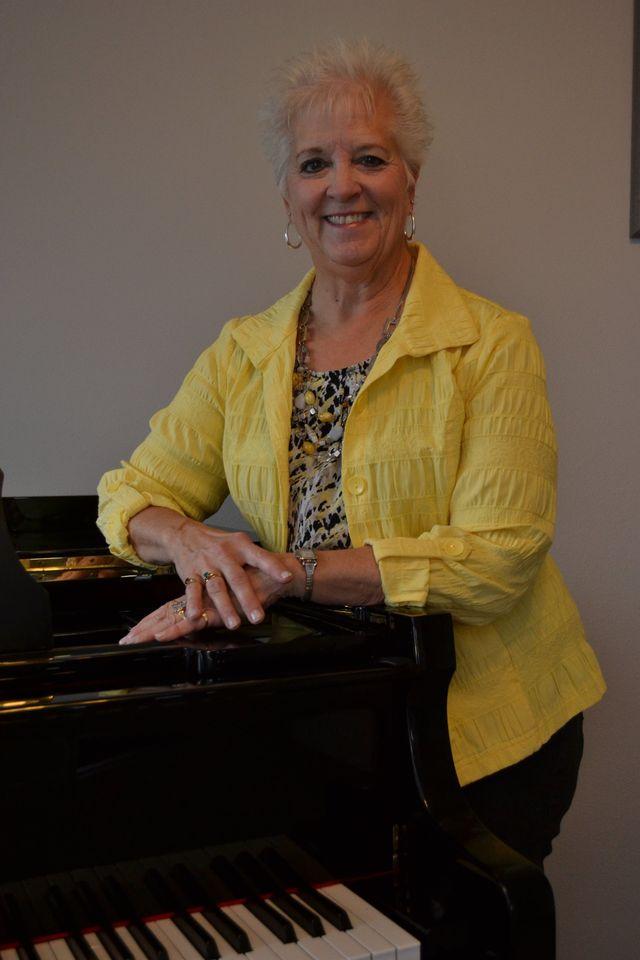 Mrs. Swen, Piano Teacher