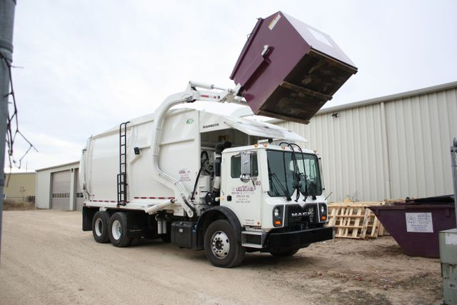 COMMERCIAL TRASH & GARBAGE DUMPSTER RENTAL
