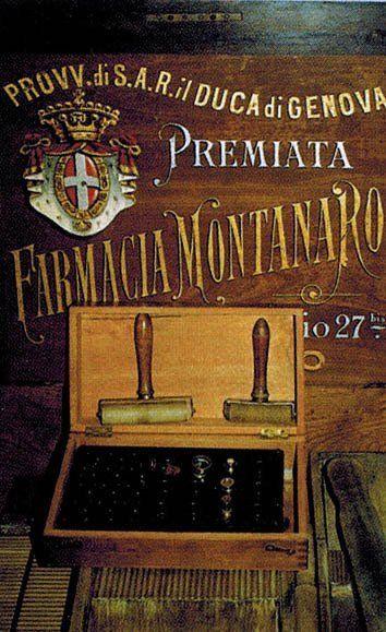 Antica stampa del logo della farmacia
