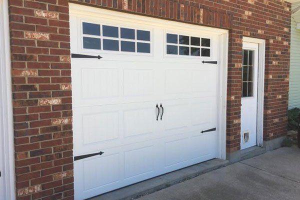 Advantage Door LLC | Residential garage doors | Troy, MO