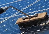 Macchine per la pulizia di pannelli solari