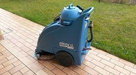 un macchinario per la pulizia dei pavimenti Minny 17