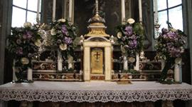 addobbi floreali per cerimonie in chiesa