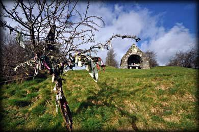 VisitingKells.ie - Ciaran's Well at Castlekeeran