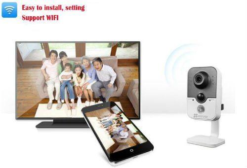 telecamera di sicurezza, smartphone e monitor