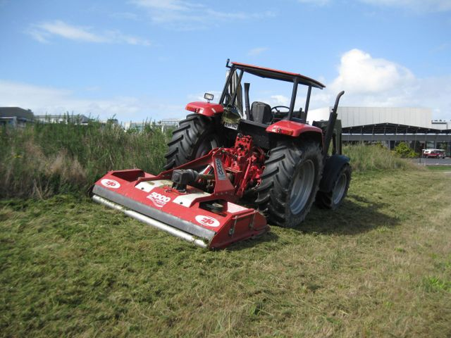 lawn mower for grass cutting service in Auckland