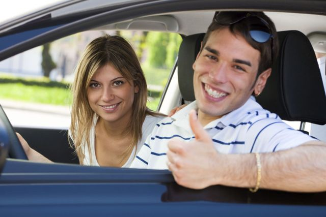 Teenagers are satisfied with the driving school in Cincinnati, OH