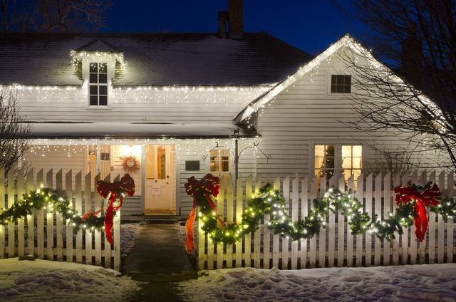 Holiday Outdoor Lighting Ideas Design Radiant Exterior Lighting Subtle Holiday Lighting Ideas For The Minimalist Homeowner