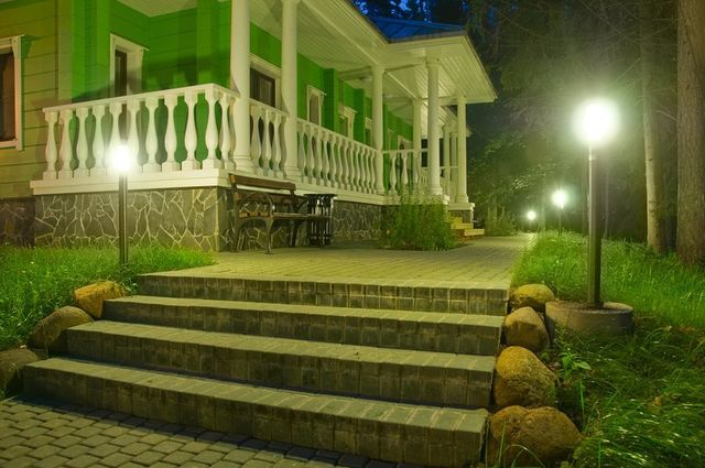 & Is Your Landscape Lighting Up To Date? Switching to LED